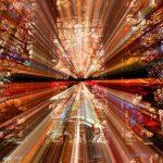 Zonlicht door glas-in-lood Grote Kerk Dordrecht